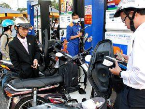 Giá xăng E5RON92 tăng hơn 600 đồng/lít