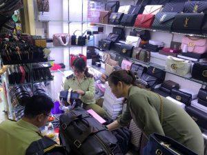 Quản lý thị trường 'tấn công' nhiều điểm nóng về hàng giả, hàng lậu